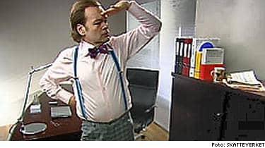 Skatteverkets reklam för att f svenskar att e-deklarera spelades in i Estland. Nu erkänner Björn Ternström vid Skatteverket att produktionen flyttades för att komma undan de svenska skatterna.