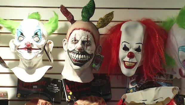 """Sannaskolan slog larm om """"clown"""" med kniv"""