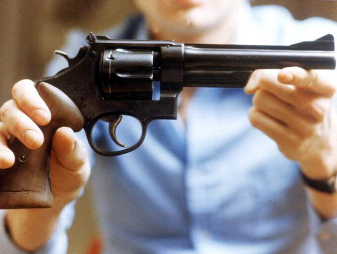 Ingemar Krusell, tidigare biträdande spaningsledare i Palmegruppen, värderar Sucksdorffsvapnet som det i dag viktigaste vapnet att hitta. Foto: Polisen