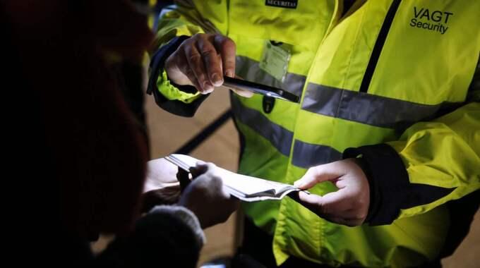 Första dagen med ID-kontroller i Sverige innebar en liten minskning av antalet asylsökande jämfört med föregående måndag. Foto: Hougaard Niels