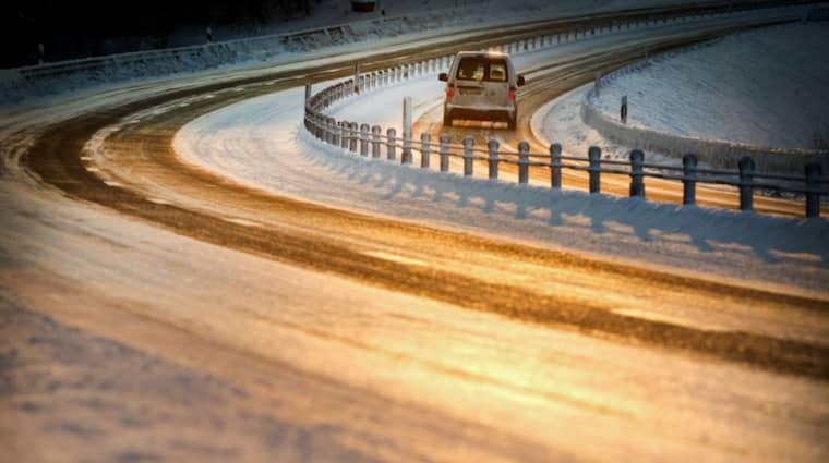 Trafikverket varnar för den förrädiska frosthalkan under fredagen. Foto: Tommy Pedersen
