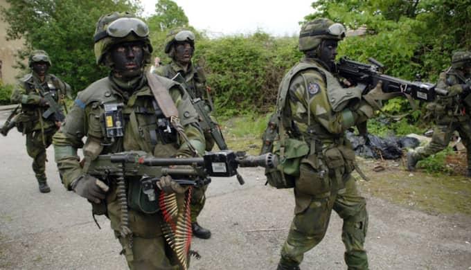 Under mitten av augusti och i början av september ägde stora militärövningar rum i Skillingaryd och Hagshult. (Bilden är tagen vid ett tidigare tillfälle) Foto: Lasse Svensson