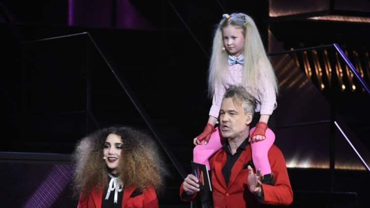 Här gör Sigrid, 9, comeback. I Melodifestivalen 2014 gjorde hon stor succé. Foto: Sven Lindwall