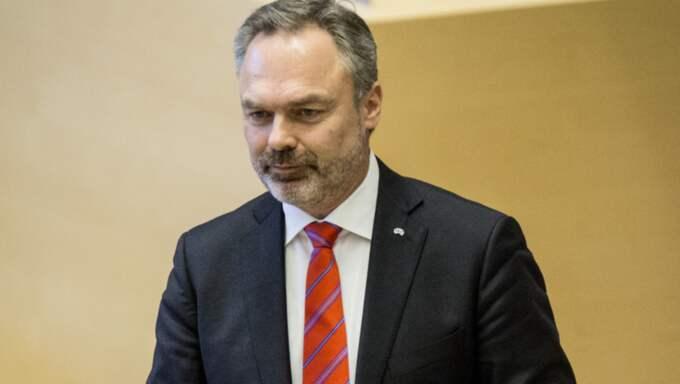 Jan Björklund (L) uppges vara irriterad över Anna Kinberg Batras (M) utspel. Foto: Christine Olsson/TT