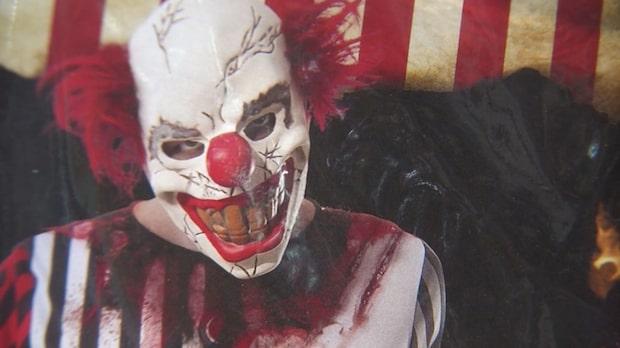 Två clowner misshandlade