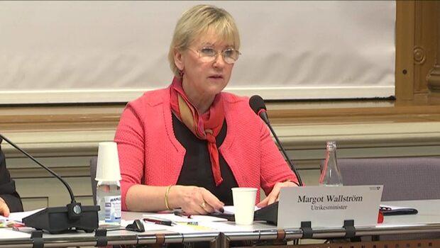 Utrikesminister Margot Wallström har drabbats av giftstruma