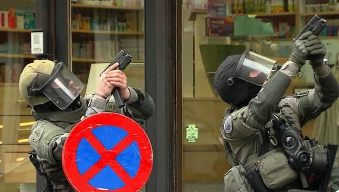 Interpol varnar bland annat Sverige för att fler misstänkta kan vara på flykt genom Europa. Foto: Ap / AP VTM