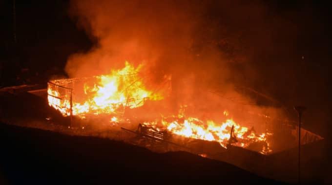 Vid klockan 06.31 fick polisen, via SOS, in larm om en brand på Tjörnbrons camping. Foto: Mikael Berglund