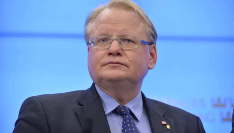 Precis som flera andra ministrar har Peter Hultqvist dubbelt boende. Foto: Henrik Montgomery/TT