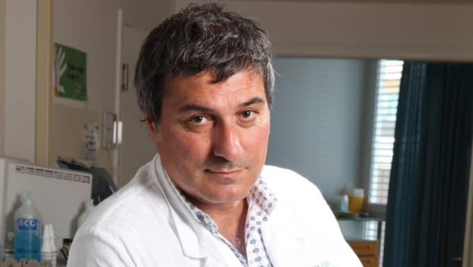 Anders Hamsten valde att ställa sin rektorsplats till förfogande efter skandalerna kring kirurgen Paolo Macchiarini (foto). Foto: New Press Photo / Splash News