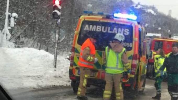 En man i 80-årsåldern dog i samband med en olycka i Angered på söndagen.