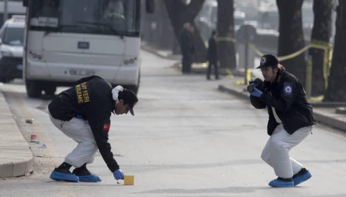 Minst 28 människor dödades i attacken i Ankara. Foto: Tolga Bozoglu / Epa / TT