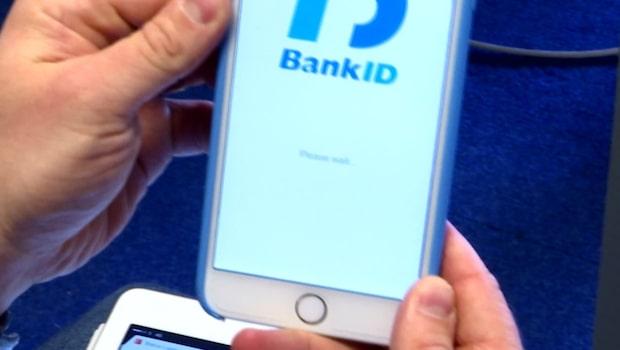 """Bank-ID stänger av kunder med """"fel"""" telefoner"""