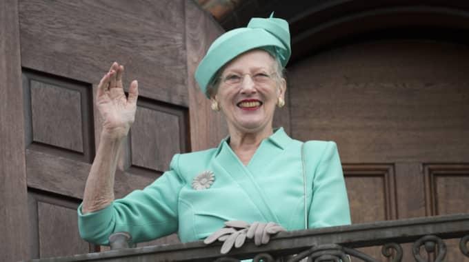 Drottning Margrethe lämnar vanligtvis Fredensborg i en Bentley. Inget konstigt med det. Men att skicka den 100 mil tvärsöver landet för att använda den i 18 minuter, det är väl magstarkt tycker danska miljöorganisationer. Foto: Tim Rooke/Rex Shutterstock