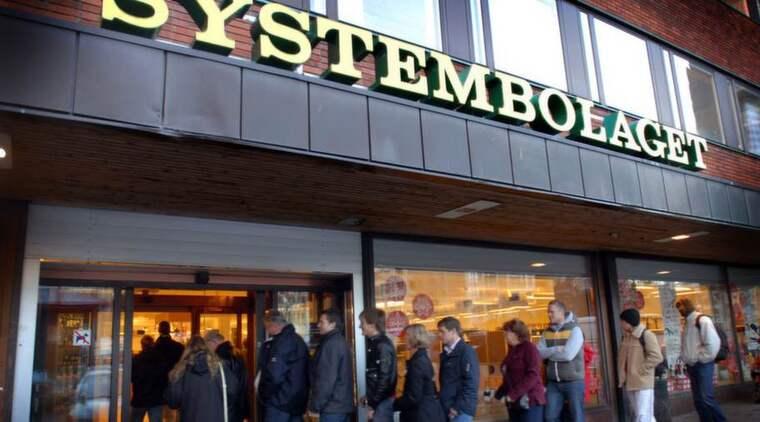 Mattias Svensson menar att Systembolaget är odemokratiskt som försöker stoppa en matkedja från att sälja specialimporterade kvalitetsviner. Foto: Anna Hållams