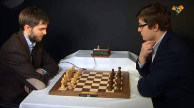 Nils Grandelius mötte Sam Sevian i Expressens direktsända schackduell. Foto: Expressen TV