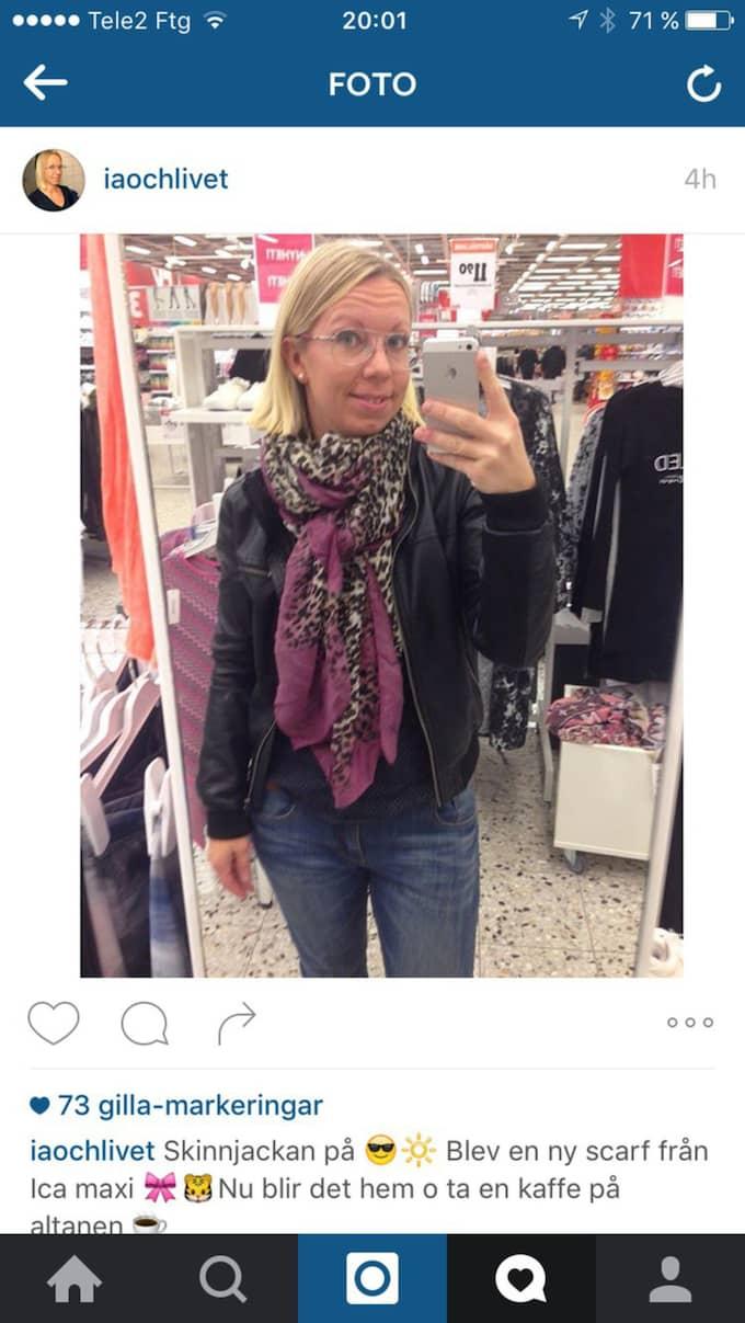 """Maria Claesson, 33, Torslanda """"Skinnjacka på. Blev en ny scarf från Ica maxi. Nu blir det hem och ta en kaffe på altanen""""."""