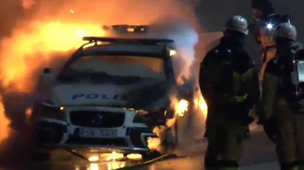 Tände eld på polisbil – får fängelse