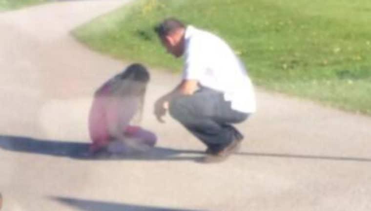 Busschauffören André tröstade flickan i flera minuter.