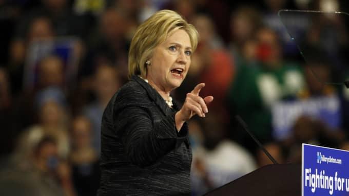 Den demokratiske konkurrenten Hillary Clinton som ännu är favorit. Foto: David Maxwell / Epa / Tt