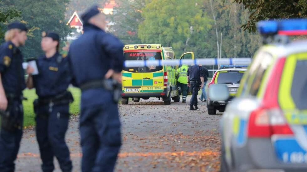 Polisen har spärrat av ett stort område runt Folkets park i Skurup. Foto: Ulf Ryd