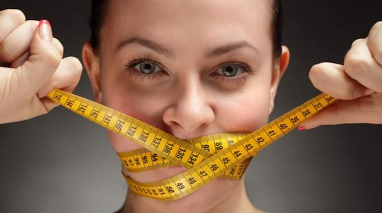 Felaktig bantning leder inte bara till att vi misslyckas med att gå ner i vikt, det är också en stor riskfaktor för ätstörningar