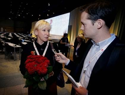 """FLYTTAR TILL SVERIGE. """"Min familj har redan flyttat hem och jag flyttar hem mycket snart när kommissionsuppdraget är slut och sen får vi se"""", säger Margot Wallström till Expressens reporter. Foto: Robban Andersson"""