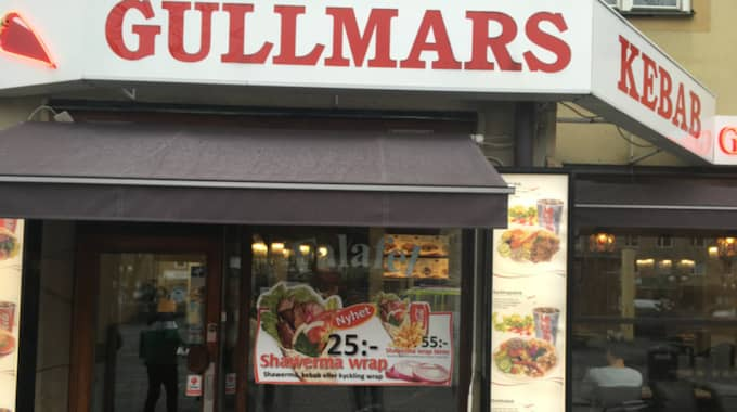 """""""De sprang in hit och förstörde allt"""", berättar Wail Baroudi på Gullmars kebab. Foto: Privat"""