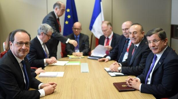 EU och Turkiet överens om ifrågasatt flyktingförslag