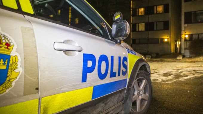 Polisen rycker ut. Skottlossning i Göteborg i december 2015. Foto: Henrik Jansson