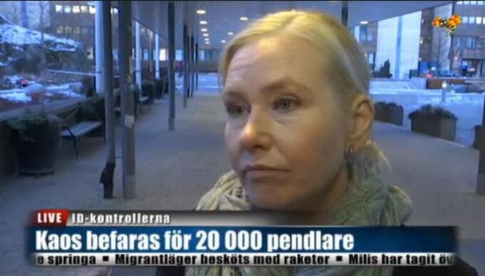 Infrastrukturminister Anna Johansson (S) säger att syftet med ID-kontrollerna är att minska antalet flyktingar till Sverige.