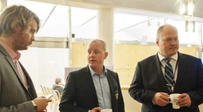 Björn Söder hänvisar alla frågor till Jimmie Åkessons presskonferens. Foto: Samuel Unéus