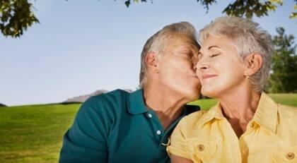 kvinnor som vill ha äldre män