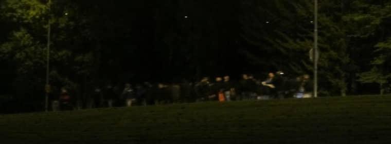 Här syns medborgargardet dra fram i Tumba. Foto: Läsarbild