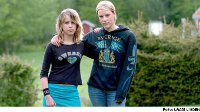 Symboler för Sverige är anstötligt på Gullhögskolan i Vårgårda. Linda Larsson och Charlotte Bertelsen får välja andra tröjor för att inte bli hemskickade.