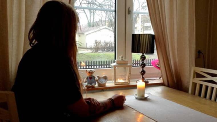 """""""Den dagen som hon dog så dog en del av mitt hjärta som aldrig blir funktionell igen"""", säger systern till ett av offren i trippelmordet. Foto: Margaretha Valdemars /Sveriges Radio"""
