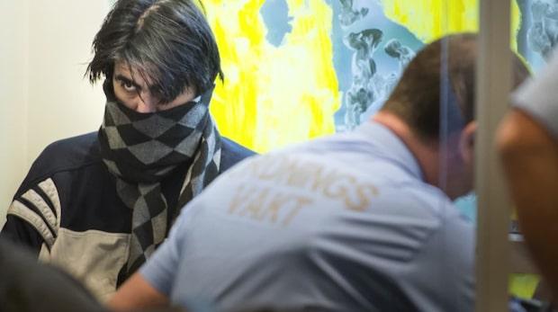 Livsdömde terroristen i filmjölksbråk