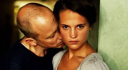 Samuel Fröler och Alicia Vikander. Foto: Ola Kjelbye