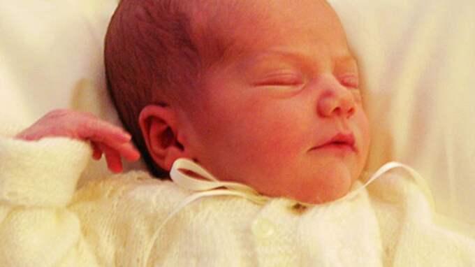 Första bilden på prinsessan Estelle. Foto: Kungahuset