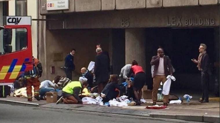 En 44-årig, gravid svenska skadades svårt vid terrorattacken i tunnelbanan i Bryssel.