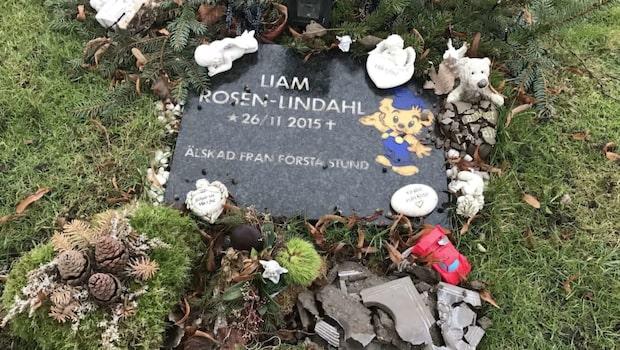 Liam dog som nyfödd - graven vandaliserad