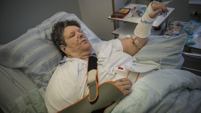 Efter överfallet tvingades Marianne till operation och hon är nu öm i hela kroppen. Foto: NORA LOREK