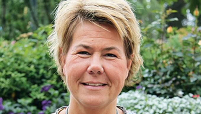 Caroline Depui är kommunchef i Hammarö kommun och menar att den som bryter mot snusförbudet skulle kunna sägas upp i värsta fall. Foto: Hammarö Kommun