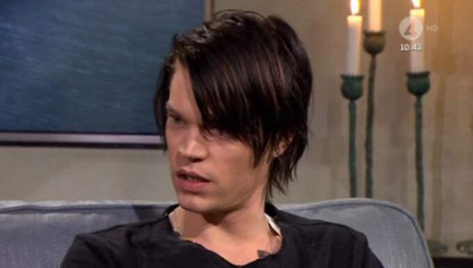 Victor Norén berättar om saknaden till sin vän. Foto: TV4