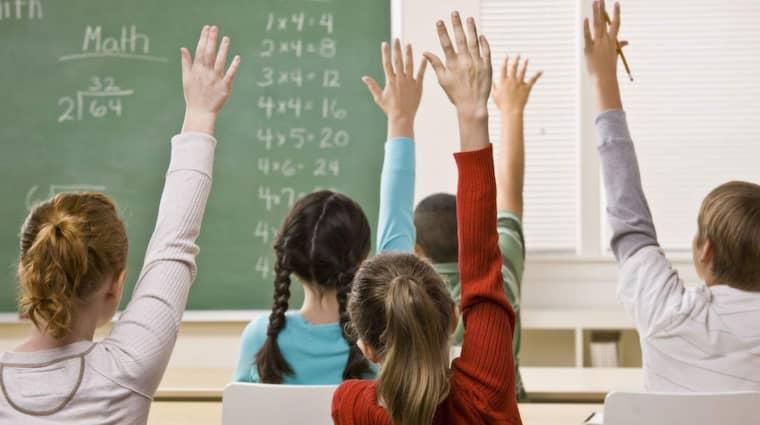 Den svenska skolan har stora problem med segregation och ökande olikheter mellan elevgrupper och de största förlorarna är lågpresterande pojkar, skriver Bo Jansson, fackordförande.