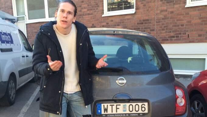 När Pontus Thorild kör omkring i Varberg väcker hans bil mycket munterhet. Foto: Privat