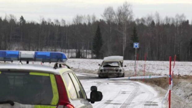 Person hittad död i en brinnande bil