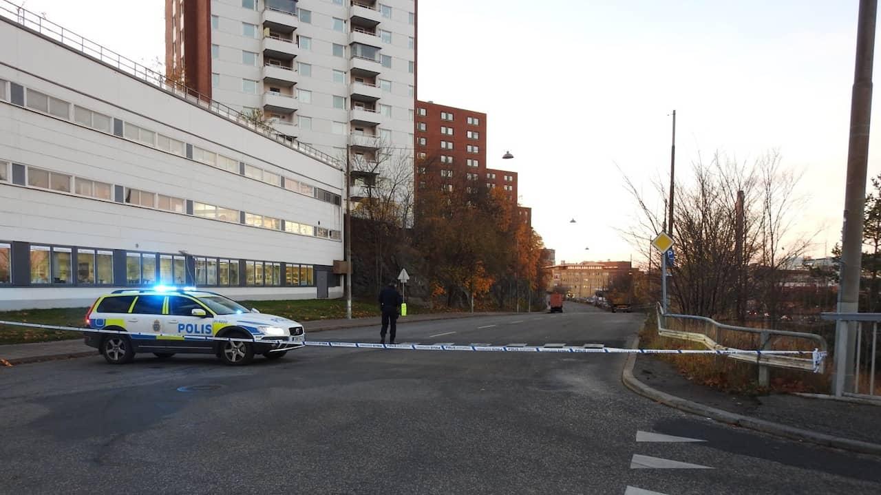 Original Explosion Vid Gardet Stockholm Polisen Pa Plats
