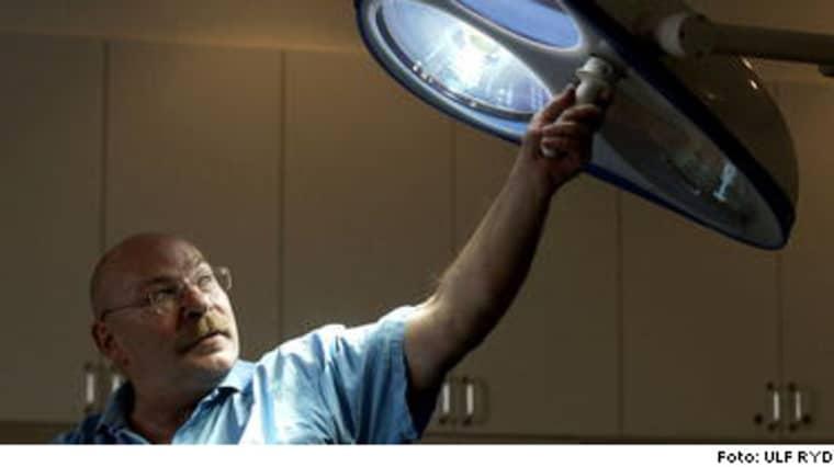 Svenske plastikkirurgen Per Gunnar Opitz varnar för en effekt av penisförlängningar: Resultatet märks inte vid erektion.