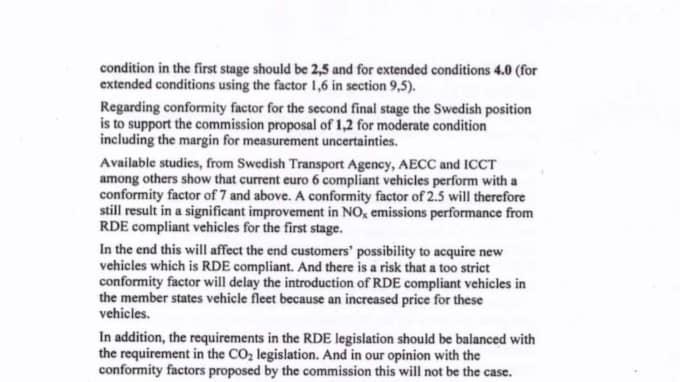 Miljöministerns linje var också att det andra steget skulle implementeras senare än vad kommissionen ville.